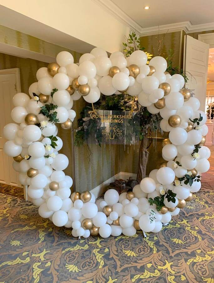 Royal Berkshire Weddings Balloon Ring Bespoke Creations Airmagination